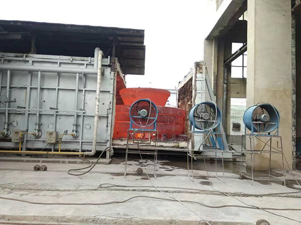 大型铸钢件厂家告诉您热处理时的注意事项