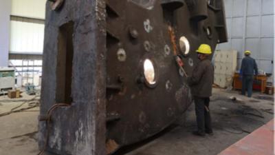 今天,大型铸钢件铸造厂分享下大型铸钢件时如何进行焊补的