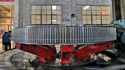 大齿轮加工厂家满足客户所需的加工精度