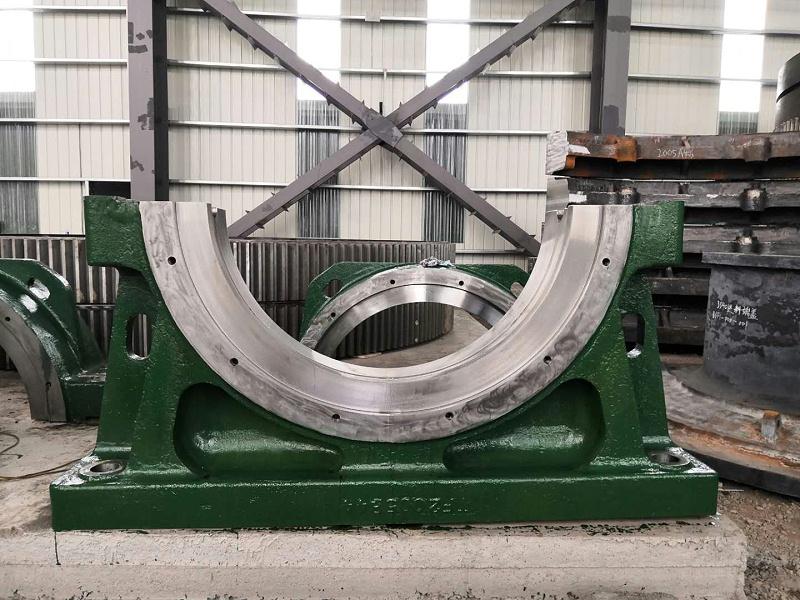 为太原重工生产大型铸钢件轴承座