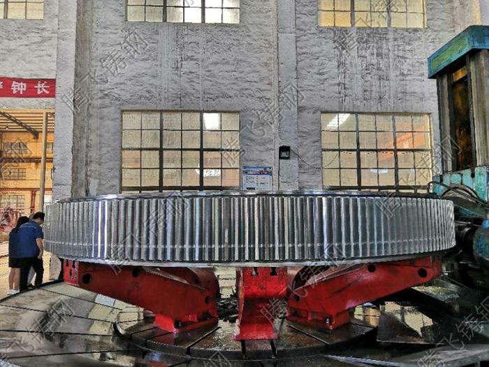 大型铸钢件厂家腾飞铸钢生产齿轮