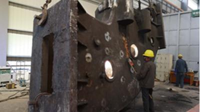 大型铸钢件厂家它来了,带着它的检测设备来了