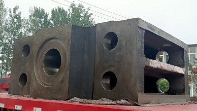 大型铸钢件厂家生产横梁