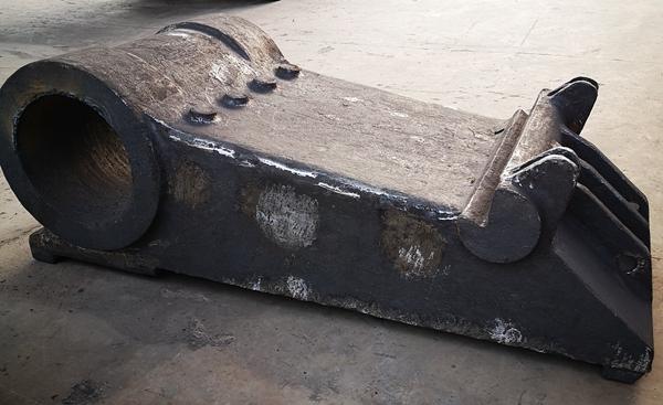 大型铸钢件动鄂