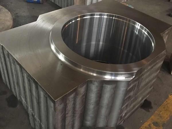 大型铸钢件的灵活性突显在那里?